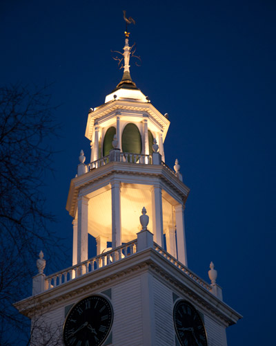 http://www.beachstreetstudios.com/artists/barby-almy/miscellaneous/first-parish-steeple-manchester-photography-by-barby-almy/