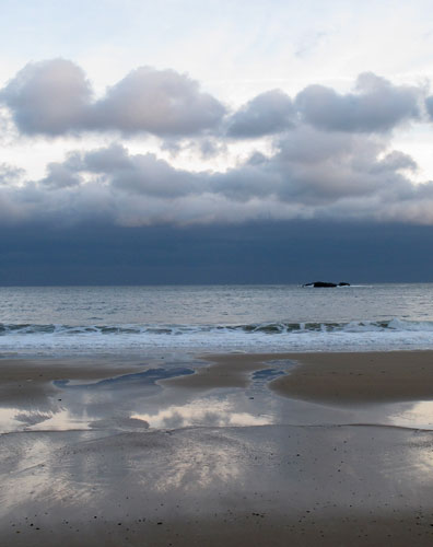 http://www.beachstreetstudios.com/artists/barby-almy/seascape/singing-beach-stormcloud-photography-by-barby-almy/